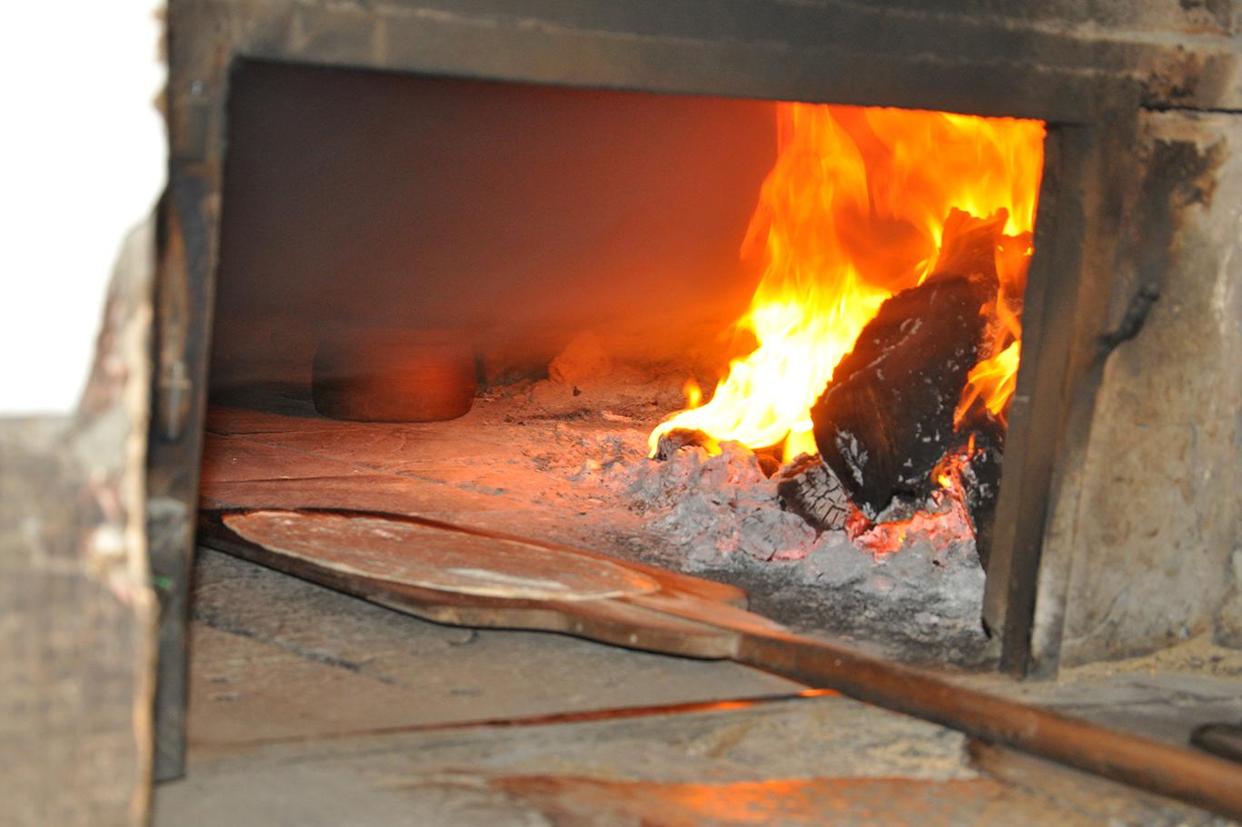 300 Derece Sıcakta Oruç Tutuyorlar