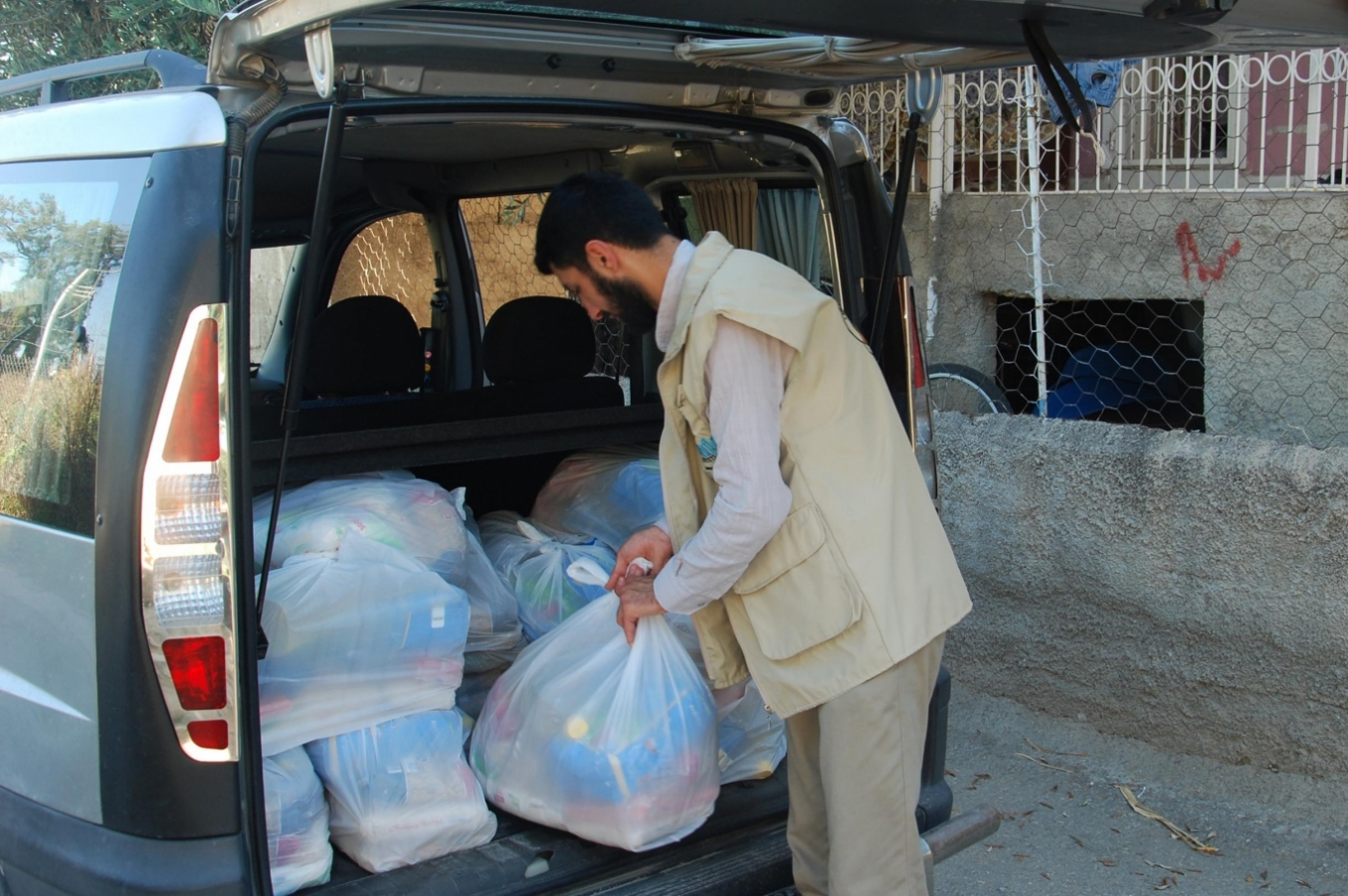 Mustazaf Community helped 425 families during Ramadan