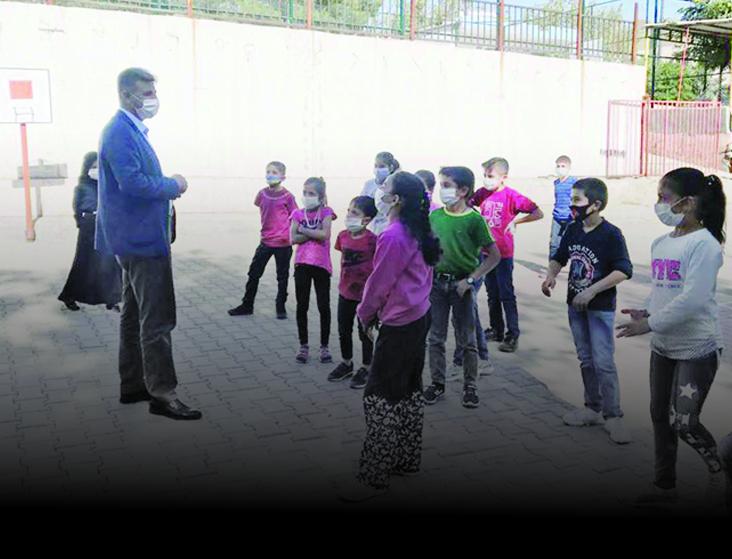 Belediye Başkanı Özhan Okulları Ziyaret Etti