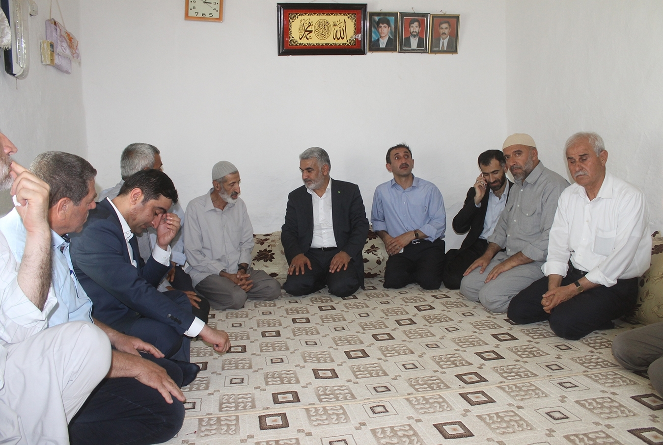 Yapicioglu visited the families of the martyrs in Xanike