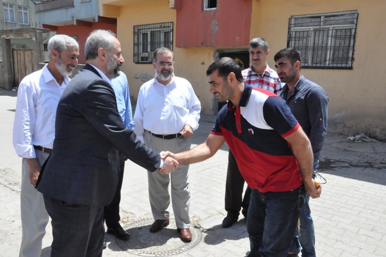 """HUDA PAR pay visits to martyrs' and convicts' families"""