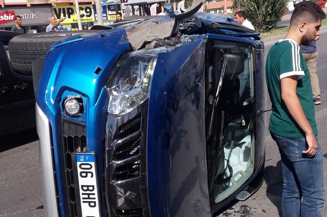 Kamyonet Kaza Yaptı: Bir Yaralı