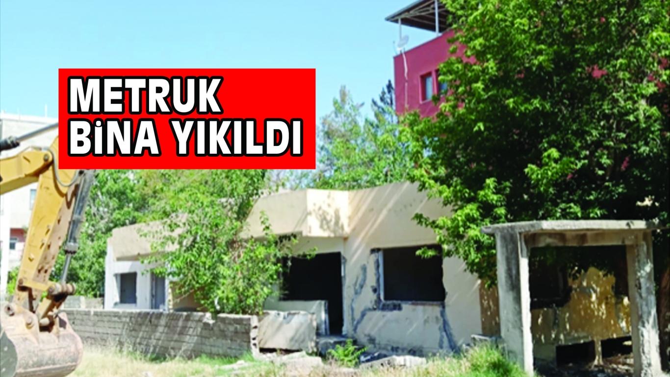 METRUK BiNA YIKILDI