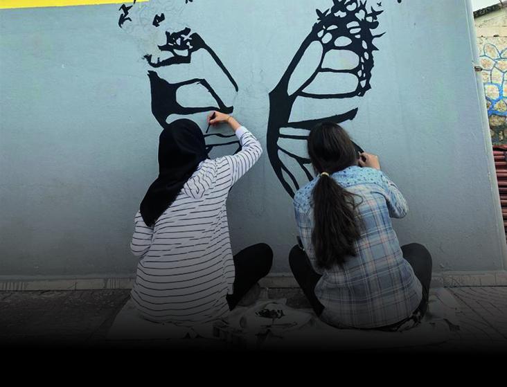 Okul Duvarları Resimlerle Süsleniyor