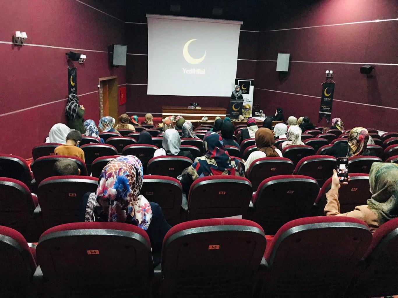 Özdemir'den Emanet Bilinci Ve Çocuk Konferansı