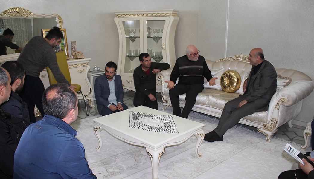 Özdemir'den Ev Ziyareti