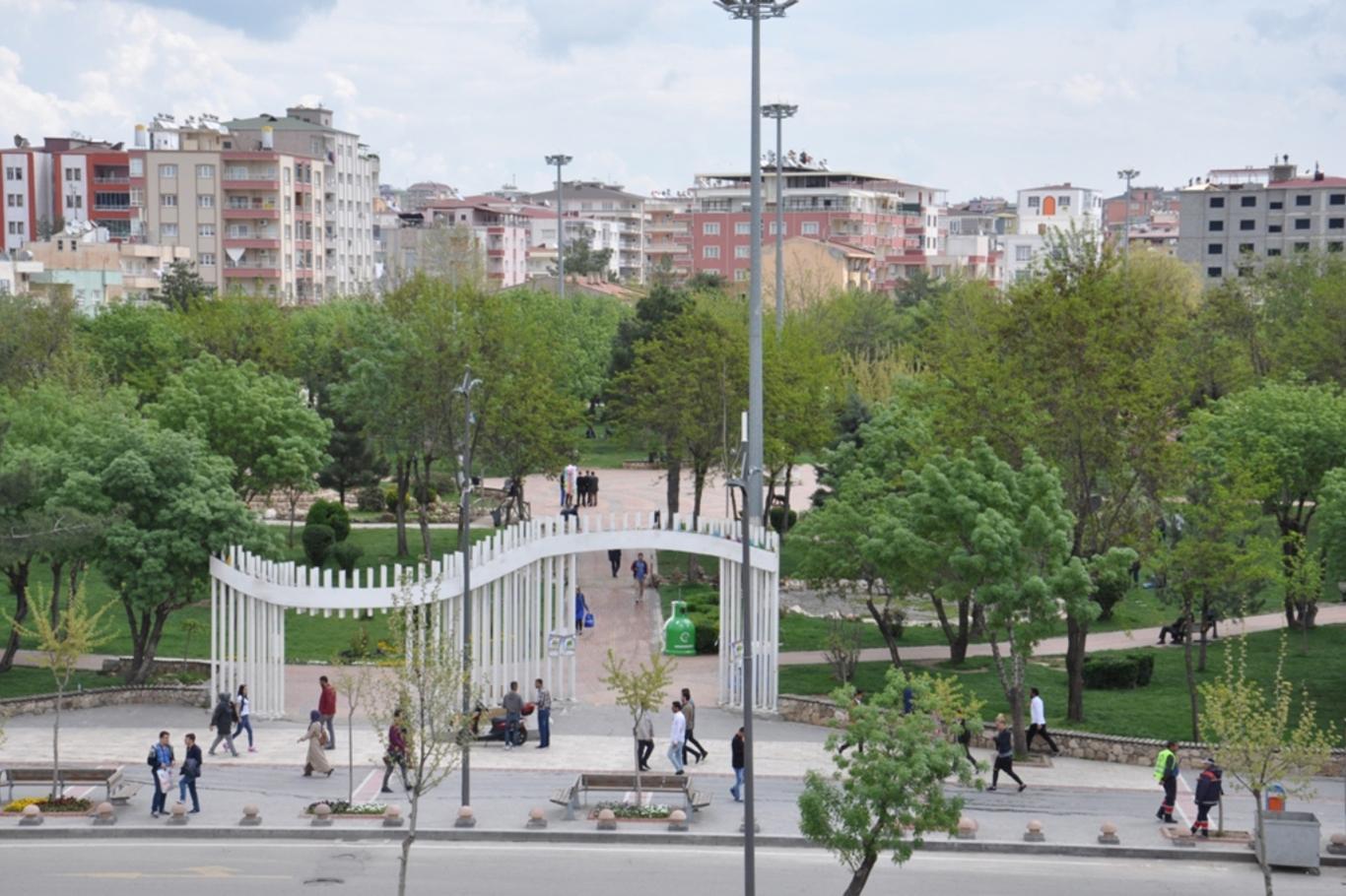 Parklarda Mescit Ve Umumi Tuvalet Yapılmalı