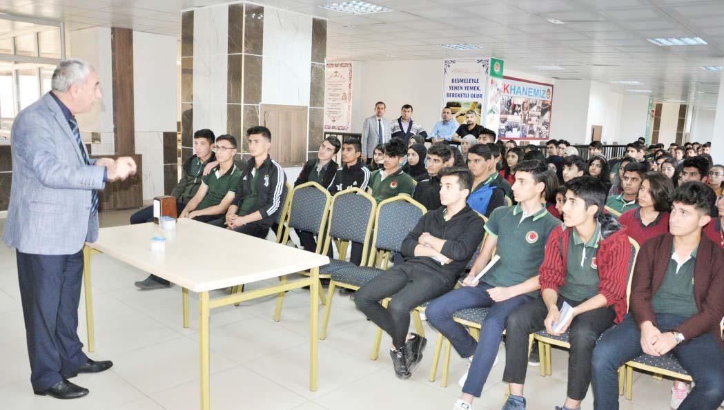 Yazar Nurullah GENÇ Öğrencilerle Buluştu