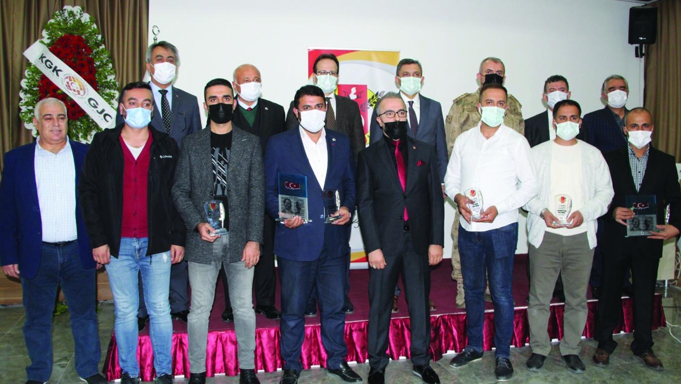 Yılın Başarılı Gazetecileri Ödüllerini Aldı
