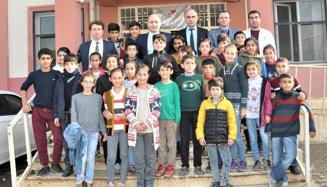 Kurtaran, Köy Okullarında