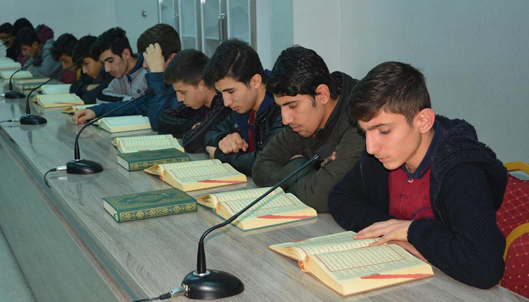 Kur'an-I Kerim Sınıfı Öğrencilerin Başarısını Katlıyor